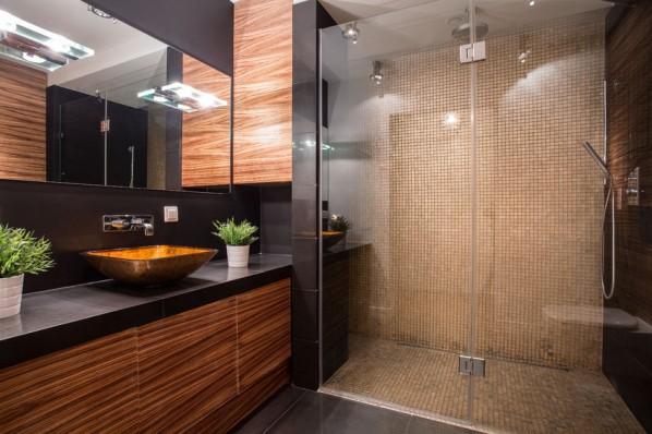 Jak czyścić ścianki prysznice
